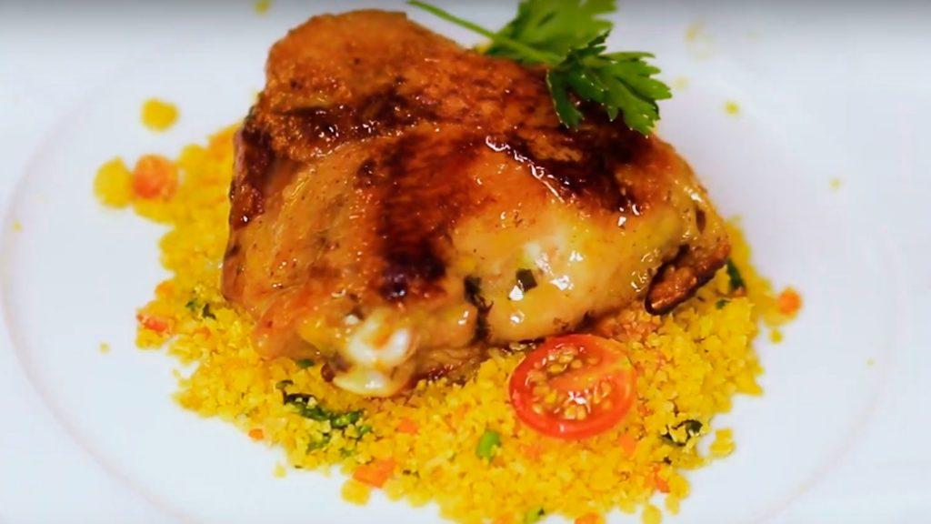Receita de sobrecoxa de frango com cuscuz